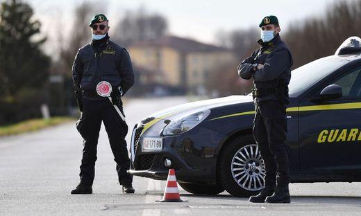 Kontrollen, Razzien und Absperrungen in Italien