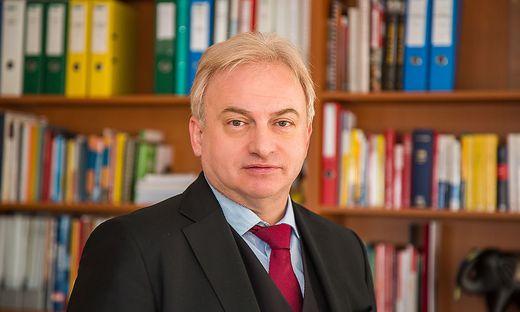 Hermagor Mag. Dr. Heinz Pansi Bezirkshauptmann