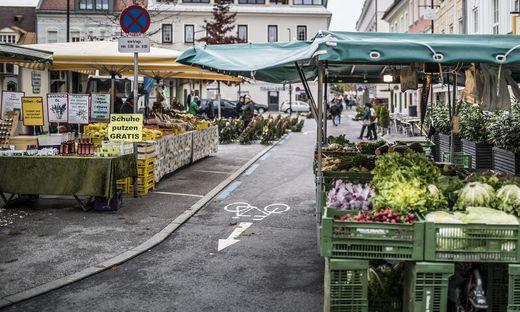 Begehung Benediktinermarkt Marktamtsleiter Peter Zwanziger, Feuerwehr, Rotes Kreuz - Klagenfurt Oktober 2018