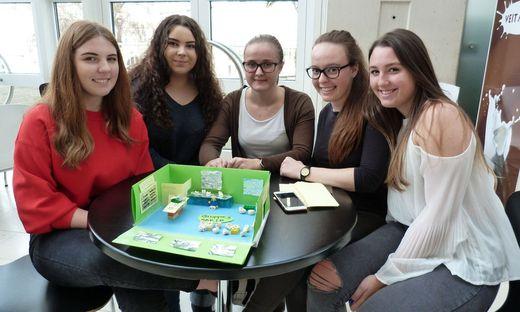 Innovativ. Vanessa Planer, Jasmin Martincic, Julia Hartinger, Corinna Roßmann und Sarah Kraner von der HAK Leibnitz