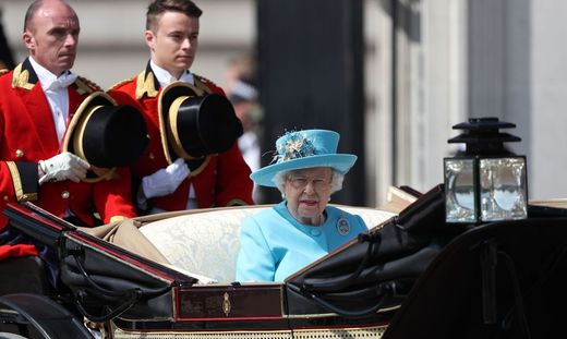 Trooping The Colour Queen Elizabeth Ii Feierte 92 Geburtstag