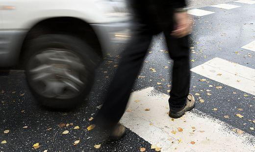 Der Fußgänger wurde bei dem Unfall verletzt (Sujetbild)