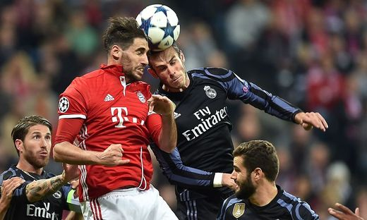 Im Viertelfinal-Hinspiel mussten sich die Bayern 1:2 geschlagen geben