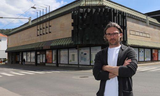 Stadtentwickler Gernot Bittlingmaier, hier vor dem verlassenen Kastner&Öhler-Gebäude