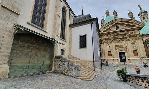 Dom Gottesplagenbild Mausoleum
