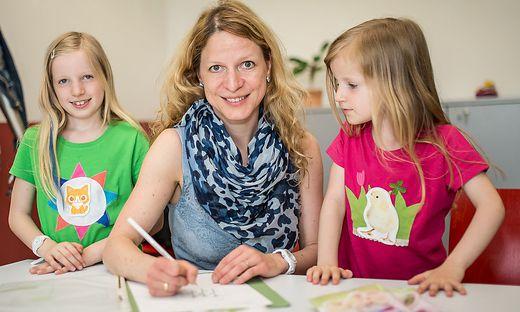 Designerin Michaela Schicho Kinder T-Shirts Lakesidepark Klagenfurt Mai 2015