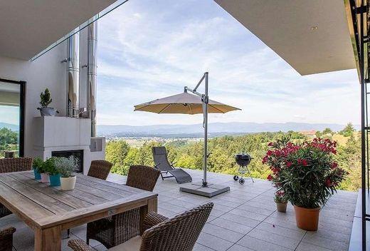 Villa mit Aussicht gefällig? Diese Immobilie in Pistorf ist um 997.000 Euro inseriert