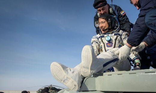 Christina Koch bei ihrer Rückkehr von der ISS