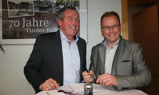 Eigentlich haben Hermann Kuenz und Martin Mayerl von der ÖVP nichts zu lachen: Kein anderer Tiroler Bezirk außer Osttirol fuhr ÖVP-Verluste ein