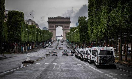 Frankreich fühlt sich endgültig von Deutschland abgehängt.