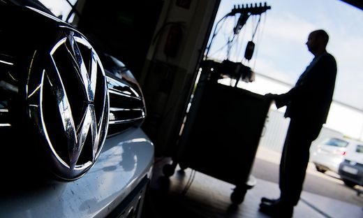 Selbst mit Update erreichen die Schummeldiesel von VW die Grenzwerte nicht