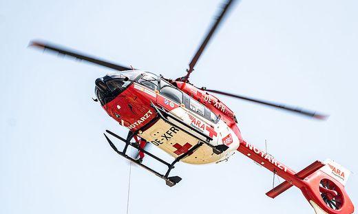 RK1 flog den Verletzten ins Klinikum Klagenfurt