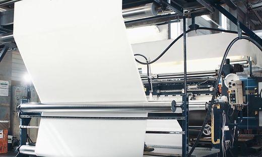 Sattler ist auf Hightech-Textilien sowie aufwendige Membrankonstruktionen spezialisiert
