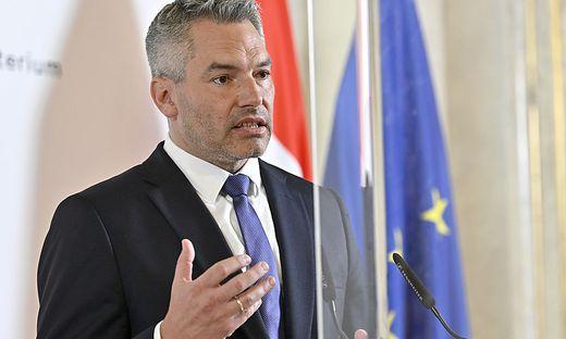 """Innenminister Karl Nehammer: """"Wir werden die Gefahren benennen und die Institutionen so ausstatten, dass sie dagegen vorgehen können"""""""