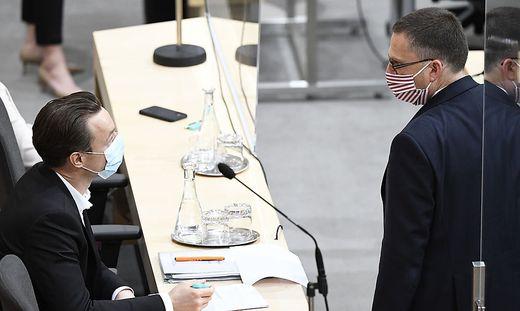 ÖVP-Selbstverteidigung im Doppelpack: Finanzminister Gernot Blümel und Klubobmann August Wöginger