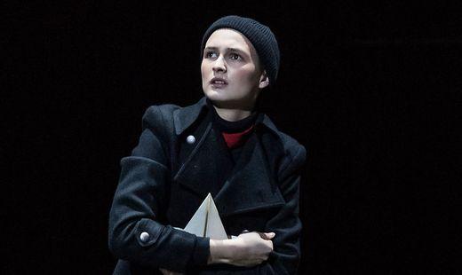 "Lisa-Marie Lebitschnig verkörpert die ""Unschuld des Stücks"""
