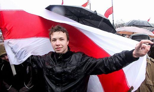 Roman Protassewitsch bei einer Demonstration 2012