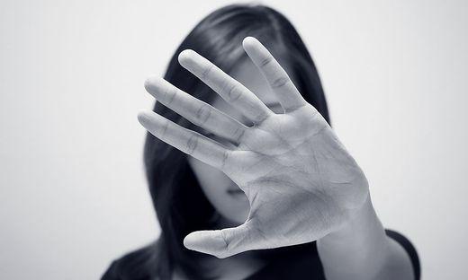 Neben physischer Gewalt kommt es immer häufiger auch zu psychischer Gewalt