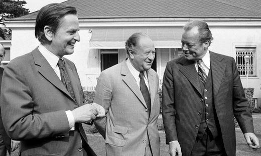 Olof Palme (links), Bruno Kreisky und Willy Brandt prägten in den 70ern Europas Sozialdemokratie