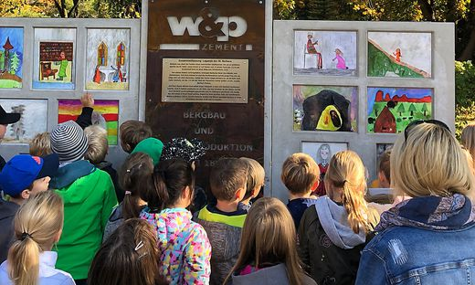 Zwölf Zeichnungen der Schüler werden ausgestellt