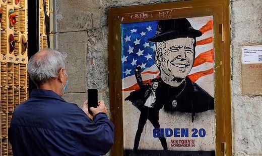 Nicht überall auf der Welt sieht man Joe Biden so euphorisch wie in Barcelona