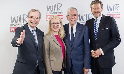 Ex-WKÖ-Präsident Christoph Leitl, Wirtschaftsministerin Margarete Schramböck (ÖVP), Bundespräsident Alexander Van der Bellen und WKÖ-Präsident Harald Mahrer