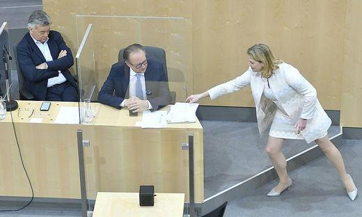 Schallenberg bekommt Anordnung zur Hausdurchsuchung vorgelegt