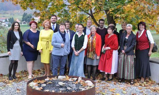 Bereichsleiterin Petra Prattes mit den Mitarbeitern der Pflegewohnhäuser in Leoben, Graz-St. Peter und Straßgang