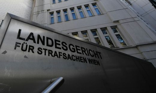 GRASSER PROZESS: URTEILSVERK�NDUNG / STRAFLANDESGERICHT