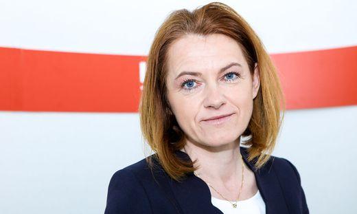 Simone Schmiedtbauer kommt am Mittwoch zwar an die Schule, diskutiert aber nicht mit Schülerinnen