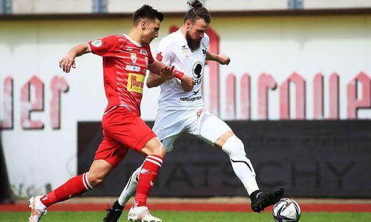 Deniz Mujic (r.) enteilte der KSV-Abwehr beim 0:1