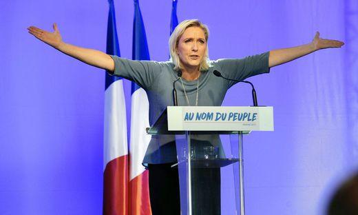 Le Pen legt den Vorsitz ihrer Partei nieder