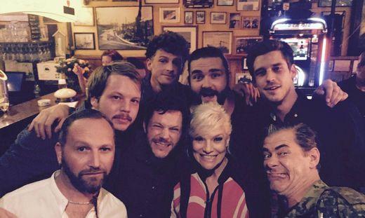 Granada bei Inas Nacht: Grazer Band tritt in deutscher Kultshow auf « kleinezeitung.at