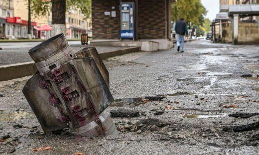 Eine nicht explodierte Rakete in Stepanakert, der Hauptstadt von Berg-Karabach