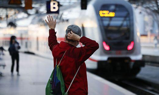 Ende des Lokfuehrer-Streiks bei der Deutschen Bahn - Koeln