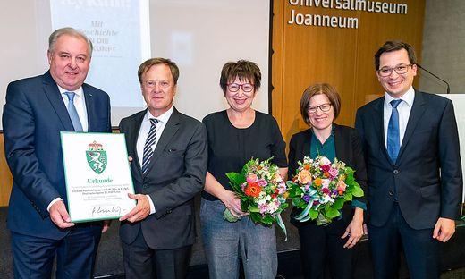 LH Schützenhöfer mit dem Verlegerpaar Leopold und Elfriede Gartler und seinen Kindern Ulrike und Stefan