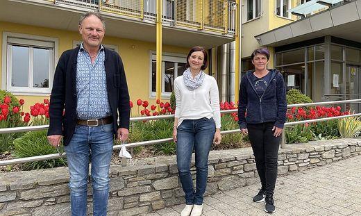 Heimleiter Johann Fuchs, Personalvertreterin Daniela Kernbichler und Pflegedienstleiterin Alexandra Peinsipp (v.l.n.r.)