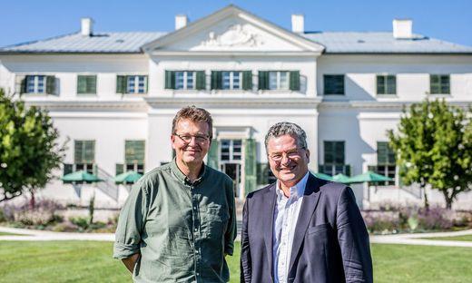 Emanuel und Stefan Liechtenstein vor dem Schloss Rosegg, das auch für die Öffentlichkeit zugänglich ist