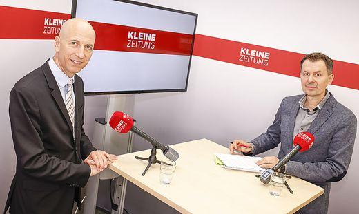 Arbeitsminister Martin Kocher im Gespräch mit Wirtschaftsredakteur Uwe Sommersguter