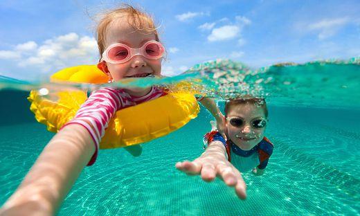 Schwimmen begeistert Groß und Klein