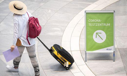 In Deutschland sind Spanien und die Niederlande seit Mitternacht als Corona-Hochinzidenzgebiete eingestuft.