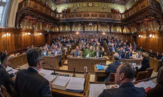 Der historische Saal im Rathaus wird erst in der nächsten Periode wieder nutzbar sein. Derzeit läuft die Sanierung.