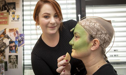 Stephie Klock, Maskenbildnerin