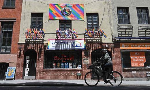 """Christopher Street Day (CSD) an die Vorfälle in der Schwulenbar """"Stonewall Inn"""""""