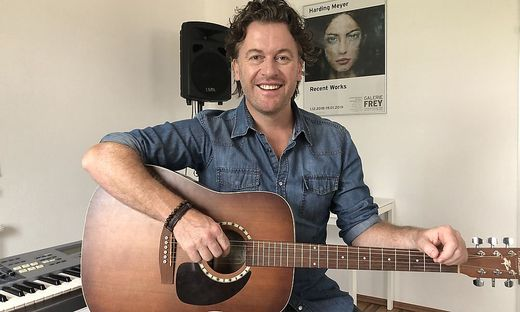Uwe Schmidt ist als Sänger und Musiker über die Grenzen der Region hinaus erfolgreich