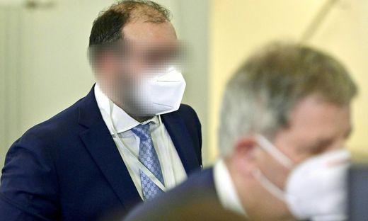 """Der """"Ibiza-Rechtsanwalt"""" mit seinem Anwalt"""
