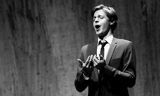 Georg Klimbacher bei einem Auftritt im Brucknerhaus in Linz