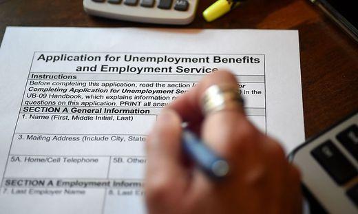 Die Erstanträge auf Arbeitslosenunterstützung steigen in den USA weiterhin rasant an