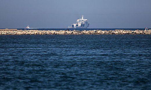 Italienisches Schiff bringt Flüchtlinge zurück nach Libyen
