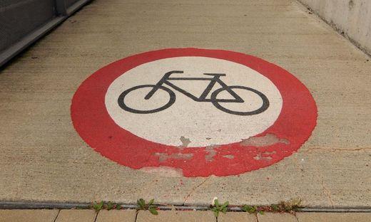 verbot,fahrradverbot,radweg,fahrradweg,weg,strasze,fahrrad,rad,zweirad,strasze,straszenverkehr,verkehr,mobilitaet,mobilitaet